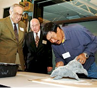 Donald P. Jacobs, Dean Emeritus J.L. Kellogg School of Management, Northwestern University, Eliot Waldman and master carver Nuna Parr.  Picture used with the permission of Northwestern University.